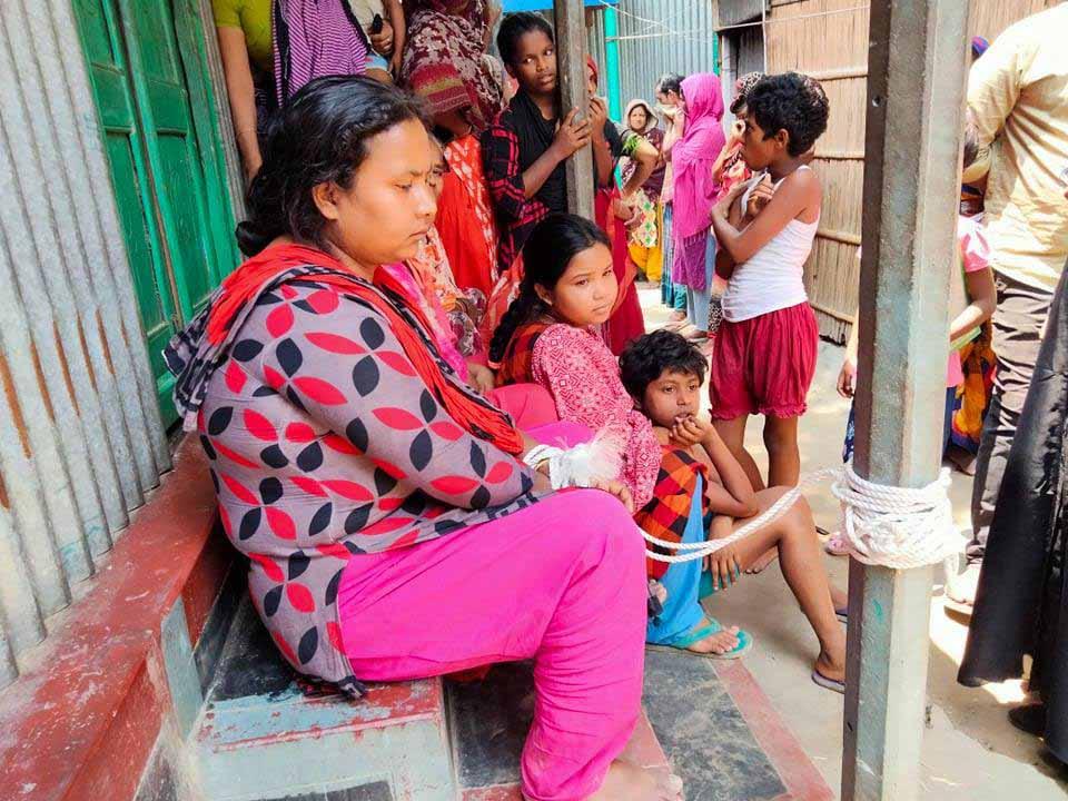 গোয়ালন্দে ব্লেড দিয়ে স্বামীর গোপনাঙ্গ কেটে দিলেন স্ত্রী