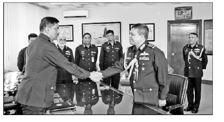 বিমান বাহিনীপ্রধানের দায়িত্ব নিলেন শেখ আব্দুল হান্নান