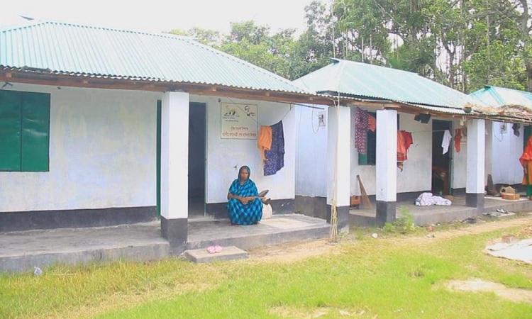 প্রধানমন্ত্রীর উপহারের ঘরে ঈদ করবে সাঁথিয়ার ৪২২ পরিবার