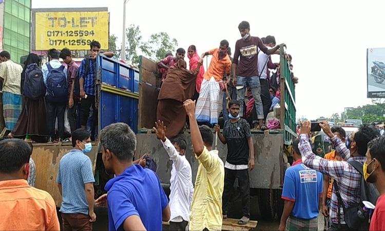 শ্রমিকরা ছুটছেন ঢাকায়