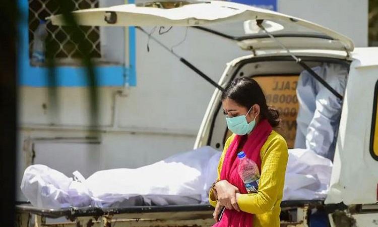  ভারতে সংক্রমণ কমলেও প্রাণহানি বাড়ল শতাধিক