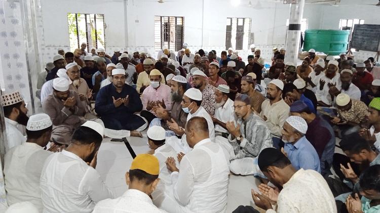 মনপুরায় বিএনপি'র সিনিয়র সহসভাপতির মৃত্যুবার্ষিকীতে মিলাদ ও মোনাজাত